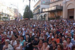 Afragola. Festa di Sant'Antonio 2014 con tre Vescovi e i Comici di Made in Sud