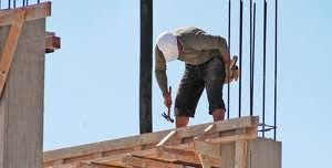 Frattamaggiore. Cade tetto di un capannone, muore imprenditore.