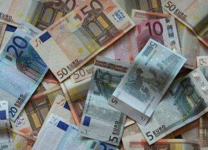 euro-soldi1-770x577