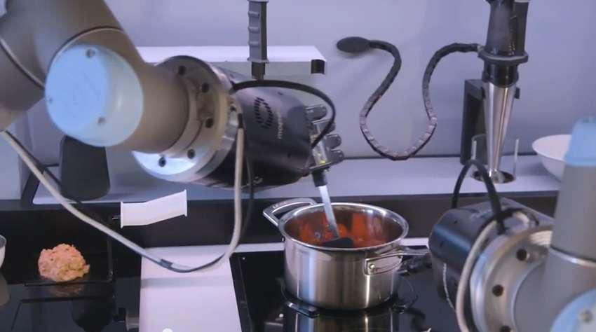Robot cucina che imita gli chef professionisti. Dal 2017 in vendita ...