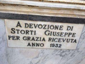 ISCRIZIONE ALL'INTERNO DELA CAPPELLINA DI SANT'ANTONIO PER GRAZIA RICEVUTA 1932