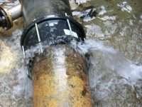 """Perdite d'acqua da 24 ore a Pollena Trocchia: tanto spreco e inutili  segnalazioni alla """"GORI"""""""