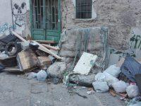 I cittadini segnalano. Centro storico, rifiuti e polemiche