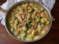 Le ricette di Virginia: Gnocchi alla crema di asparagi e calamari.