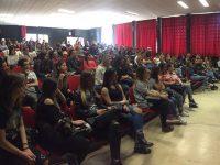 """""""Giovani informati"""" a Napoli Est: decine di ragazzi delle scuole superiori incontrano gli studenti universitari"""