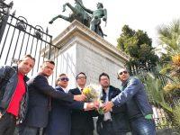 Napoli ricorda le vittime dell'attentato a San Pietroburgo