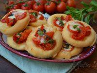 Le ricette di Virginia: Pizzette al pomodoro fresco