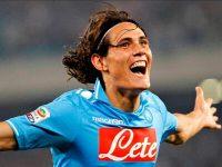 Cavani torna a Napoli: per lui foto e applausi