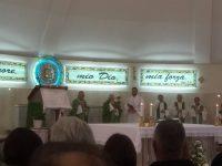 La comunità parrocchiale di San Paolo accorsa numerosa per dare il proprio commosso saluto al Sac. Don Nunzio D'Elia