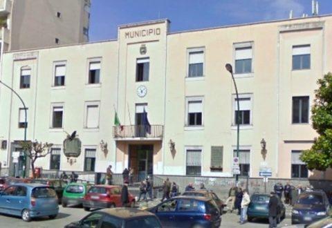 """Operai in stato di agitazione, indetto per domani uno sciopero fuori al comune di Casoria. I dipendenti:""""Se continuano così, non possiamo più vivere!"""""""