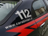 Caivano: ai domiciliari per maltrattamenti evade e resta latitante per 2 giorni, i carabinieri lo bloccano alla guida di auto rubata.
