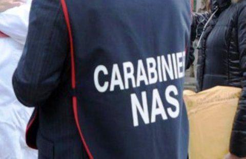 Sequestrate 3000 confezioni di dolci tra Casoria e Cardito.