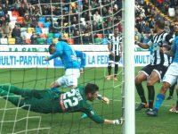 Vittoria in trasferta per il Napoli che riconquista la vetta della classifica.