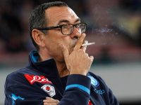NAPLES, ITALY - NOVEMBER 08:  Head coach of Napoli Maurizio Sarri during the Serie A match between SSC Napoli and Udinese Calcio at Stadio San Paolo on November 8, 2015 in Naples, Italy.  (Photo by Maurizio Lagana/Getty Images)