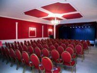 """Venerdì 20 Dicembre alle ore 21:00  il Teatro Ateneo di Casoria ospiterà sul suo palco lo spettacolo: """"Esemplari Femminili""""."""