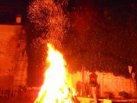 Festa in onore di Sant'Antonio Abate stasera in via Etna Casoria: falò propiziatorio e tanto divertimento allieteranno la ricorrenza