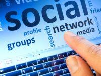 Social Dipendenza. Quando i social non sono più un mezzo di comunicazione ma un pensiero ossessivo