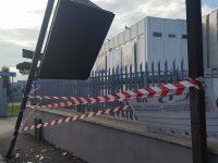 Tabellone Paone travel divelto: atto vandalico o rabbia dei cittadini?