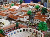"""60 Anni di vita per i mattoncini """"Lego"""": protagonisti Pompei e il direttore Osanna"""
