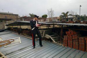 Casandrino: arrestato dai carabinieri mentre ruba 30 porte di alluminio da villa in costruzione