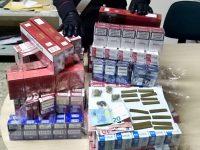 Casandrino: 3 arresti in famiglia per spaccio e contrabbando