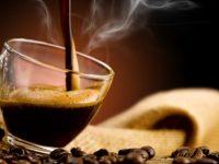 E' confermato: bere tre tazzine di caffè al giorno, apporta diversi benefici