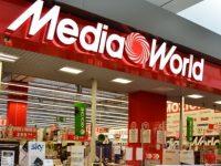 Proteste al centro Mediaword Casoria: dipendenti in lotta per i propri diritti