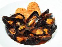 """Giovedì Santo, a Napoli è """"zuppa di cozze"""", ma a cosa e a quando risale quest'antica tradizione?"""
