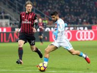 Ssc Napoli forward Lorenzo Insigne (R) scores a goal of 0 to 1 during the Italian serie A soccer match between Ac Milan and Ssc Napoli  at Giuseppe Meazza stadium in Milan, 21 January   2017.  ANSA / MATTEO BAZZI