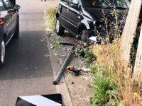 Armati inseguono e sparano contro una vettura per rapinare il guidatore ma questi li semina. Carabinieri intercettano e arrestano i malfattori poco dopo ai confini di Casoria