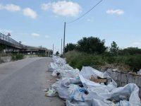 Rifiuti speciali in attesa di rimozione: il deposito illecito in via San Salvatore tra Casoria e Afragola