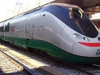 Maggiore sicurezza per i viaggiatori in treno: abbattuto ieri il vecchio ponte sulla strada provinciale Cantariello