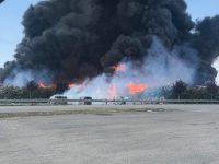 Caivano: rogo nella zona industriale fiamme visibili anche da Casoria