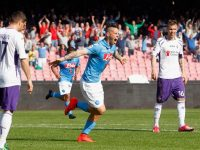 NAPLES, ITALY - APRIL 12:  Marek Hamsik of Napoli celebrates after scoring his team's second goal during the Serie A match between SSC Napoli and ACF Fiorentina at Stadio San Paolo on April 12, 2015 in Naples, Italy.  (Photo by Maurizio Lagana/Getty Images)