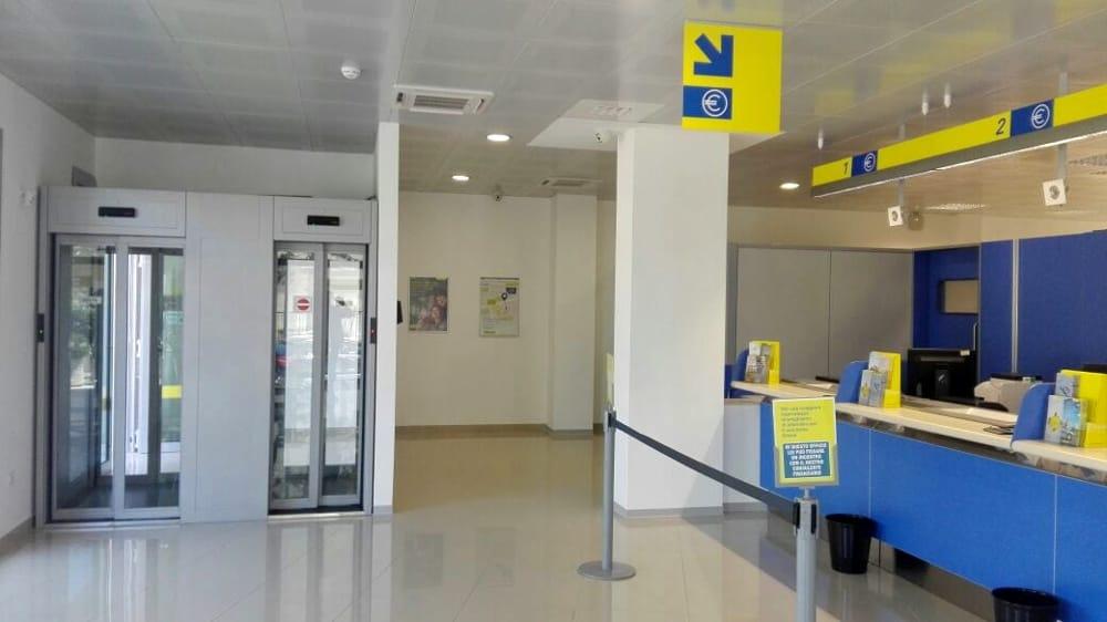 Risultati immagini per ufficio postale