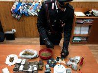 Casoria: droga e munizioni a casa di una coppia in via Mitilini. Carabinieri arrestano i due trentenni