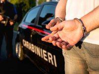 Casoria: 21enne sorpreso dai carabinieri con 170 dosi di droghe e 1.200 euro in contante. Arrestato