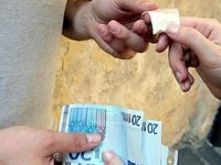 """Afragola: I poliziotti arrestano spacciatore grazie all'applicazione """"YOUPOL"""""""