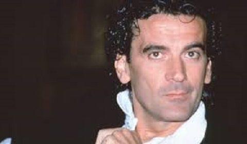 Massimo Troisi oggi avrebbe compiuto 66 anni: Napoli lo festeggia e sui social impazzano gli auguri