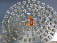 Casoria: nasconde sotto le coperte circa 200 grammi di marijuana, arrestato dalla polizia