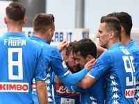 Nonostante la vittoria, Napoli contestato a Frosinone.