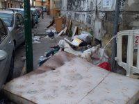 Il cittadino segnala! Degrado e abbandono nel quartiere Carducci e traverse!