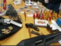 Operazione della Polizia a Casoria: diversi arresti e sequestro di armi.
