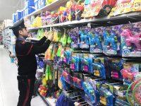 Casoria: carabinieri forestali sequestrano giocattoli, piatti di plastica, cosmetici e accendini pericolosi