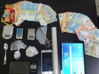 Casavatore: Polizia di Stato scopre centrale della droga. Arrestati due uomini, sequestrata cocaina
