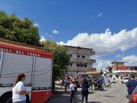 Abbattimento in via Martiri d'Otranto: sul posto il Sindaco Bene.