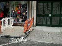 """Riceviamo e pubblichiamo. Via Gosuè Carducci, dove cadde una grossa pietra la strada """"non è ancora stata messa in sicurezza"""""""