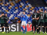 Il Bologna passa al San Paolo. E' notte fonda.