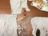 Afragola: Polizia arresta 2 spacciatori e sequestra 11 grammi di droga.