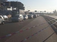 Circumvallazione esterna: traffico in tilt per ribaltamento di un camion